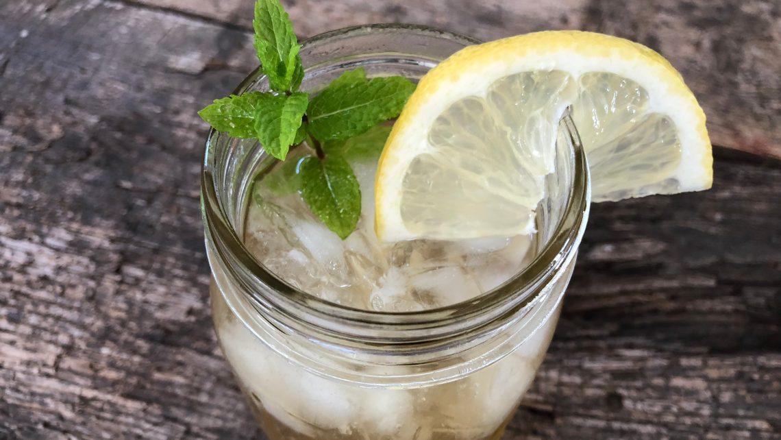 Le-Mint Mocktail (Lemon Mint Sun Tea)