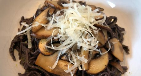 5 Minute Gluten Free Pesto Pasta with Sautéed Mushrooms